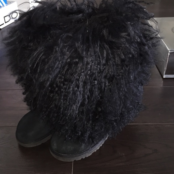 black ugg boots size 5