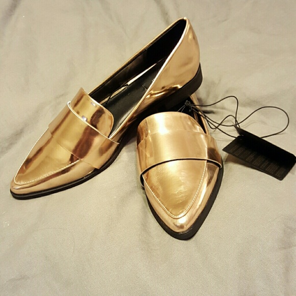 9092b0c44de NWT Forever 21 metallic gold loafers