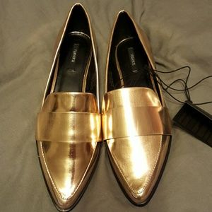 0f4dfff434f Forever 21 Shoes - NWT Forever 21 metallic gold loafers