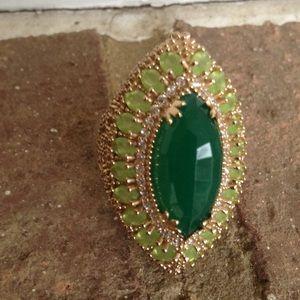Jewelry - OVAL EMERALD WHITE TOPAZ RING