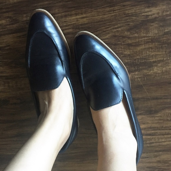 a6297cff9ec Everlane Shoes - Everlane modern loafer black