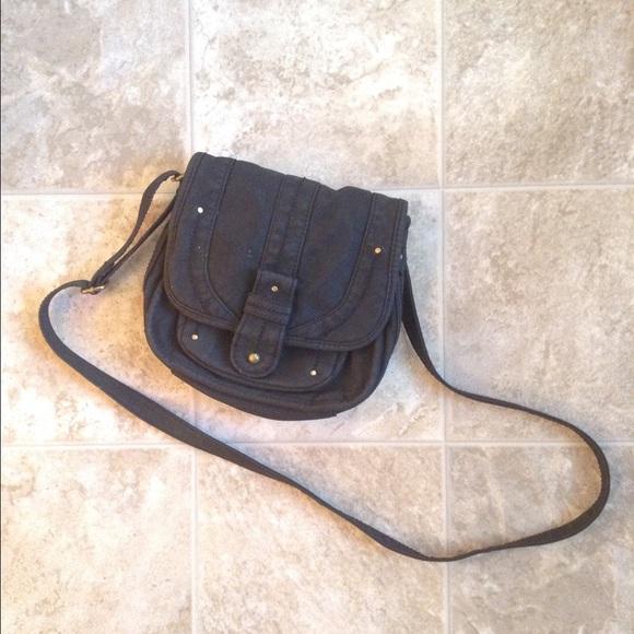 f7cefaec5c Converse Handbags - 〰small