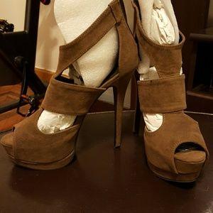 JustFab Astra platform  heels donating soon