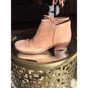 40154a0bd840e8 Sam Edelman Shoes - Sam Edelman Petty Boot Honey Nubuck 6