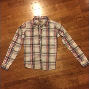 Plaid Pearl snap button down Wrangler shirt sz med