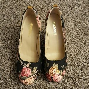 Floral Wedges - Soda