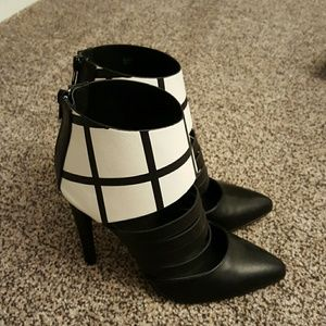 Shoes - Cage Print Heels
