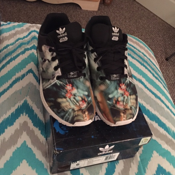 finest selection a43ed 4a875 adidas ZX Flux Star Wars LIMITED EDITION
