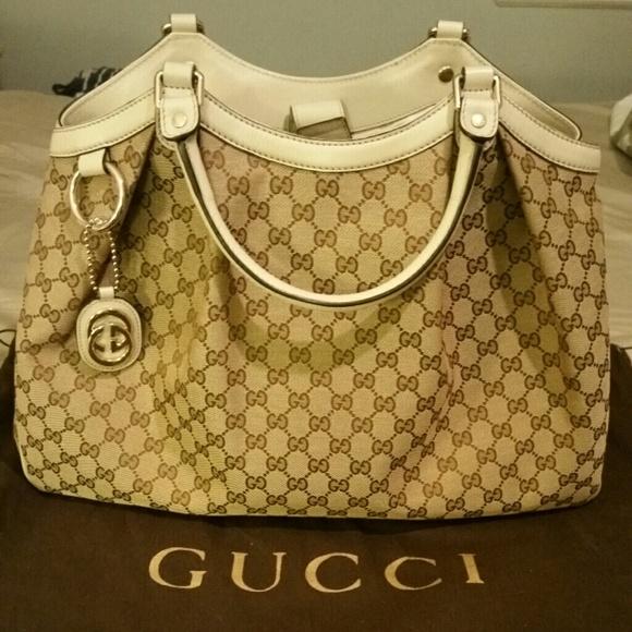 8d3f29f40a27b Gucci Handbags - Gucci Large Sukey Tote Bag White Handles