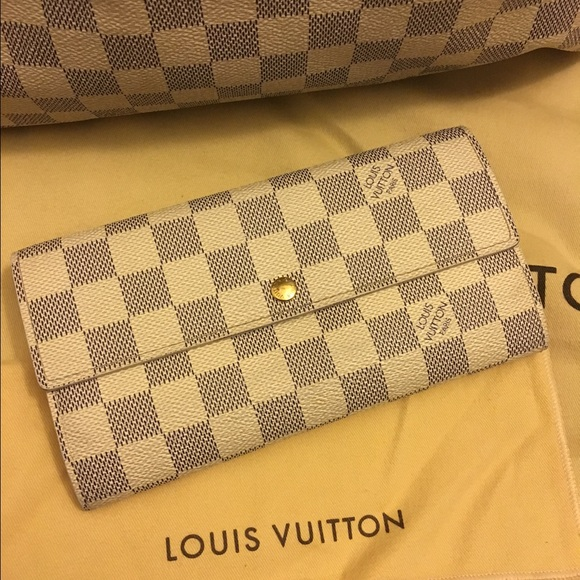 b55ba59ac596 Louis Vuitton Handbags - Louis Vuitton Damier Azur Sarah wallet