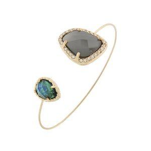 Jewelry - • Gold rhinestone bracelet •