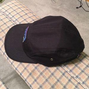ae17032fd7e Patagonia Accessories - Patagonia retro fitz Roy label tradesmith cap