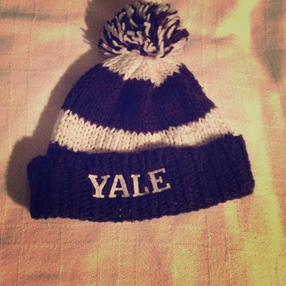 32bd0bb9de3 Accessories - Yale beanie