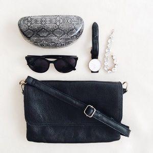 Handbags - Pebbled Leather Crossbody Trio Bag Purse - Black