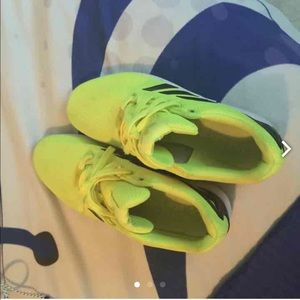 Shoes - Lime green Addidas