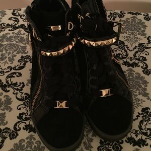 Michael Kors Hightop Sneakers