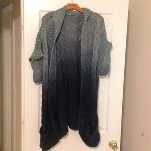 Super oversized sweater in a nice blue umbrae