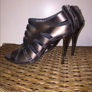 Metallic grey Cathy Jean Brazil heels