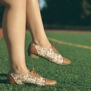 ASOS Shoes - Asos tan cognac floral lace up oxfords