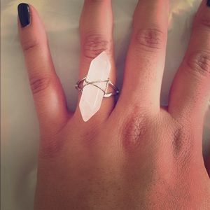 Boutique Jewelry - 🆕Clear pink wire ring