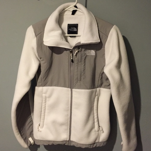 aa1dbe7ab The North Face Women's White/Grey Denali Jacket XS