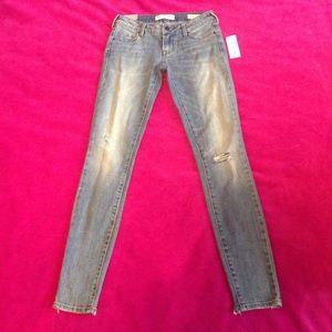 Bullhead Denim Co. low-rise skinniest jeans