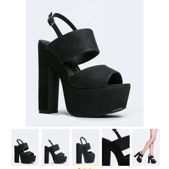 1de65cfe54c Wellthy Steve Madden chunky heel!!! M 5643d0e43c6f9f196b000fe3