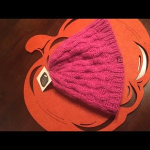 Other - Pink Cable knit beanie