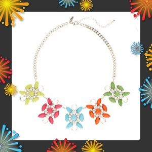 Jewelry - 🎄Very Pretty Multi Color Station Flower Necklace