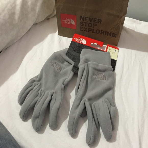 ba348cfcd North Face Silver / Gray Gloves Size Large NWT NWT