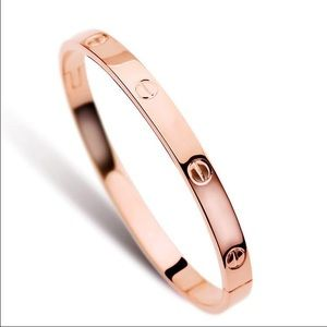 Jewelry - SHIPS NOW! Bracelet bangle screw nail gold