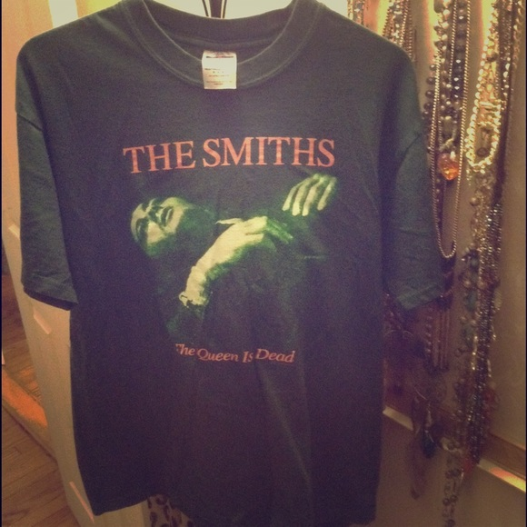 d14b9a43 The Smiths The Queen Is Dead Vintage green T shirt.  M_5644be138f0fc4cda6000ca8