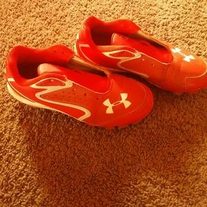 Shoes - Under armour baseball cleats