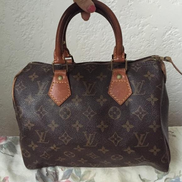 cd0348b1291c Louis Vuitton Handbags - Louis Vuitton Authentic Vintage Speedy 25