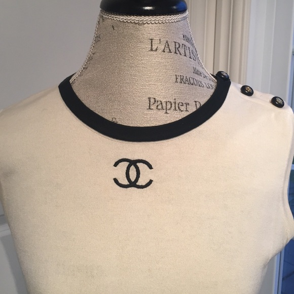 5be659c6943b3 Authentic CHANEL sleeveless T- shirt with double C