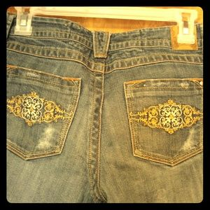  Ultra Distressed Candie's Jeans sz 7