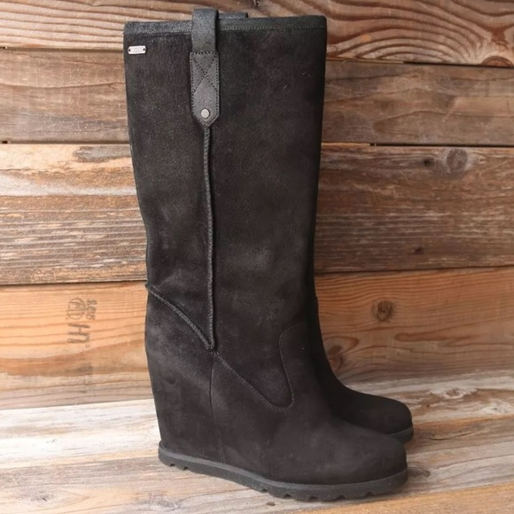 d917977a91e UGG Soleil Black Suede Sheepskin Wedge Boots US 7