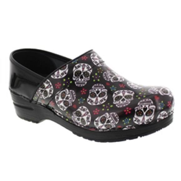Black Nursing Shoes