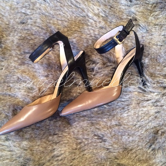 b74751f5a4d1 Nine West nude two tone heels ankle straps. M 56462a56d6b4a1aa81000cfe