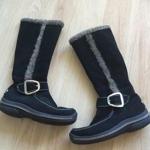 Lamo Shoes - Black suede boots with faux fur trim