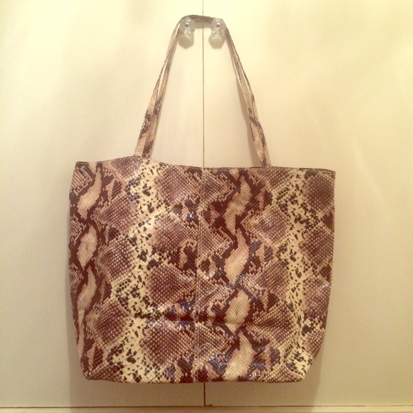 Saks Leopard Beach Bag / Tote OS from Abiti's closet on Poshmark