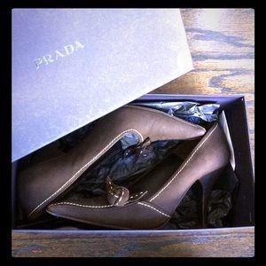"Prada ""Calzature Donna"" pumps size 38.5"