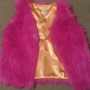 Other - Hot pink fuzzy vest childrens 10/12 youth