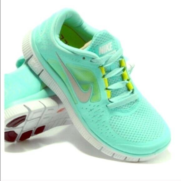best sneakers 4c8f8 0fe47 Tiffany blue Nike free run tropical twist. M 56467657522b45140400331f