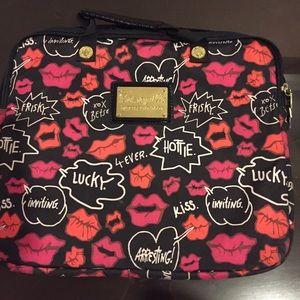 Betsey Johnson Handbags - Betsey Johnson Kisses Laptop Case