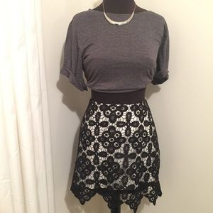 Cute lace skirt! Never worn!