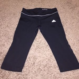 Adidas women's workout capris size medium