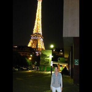 PARIS , A LOT OF PRAYERS FROM THE USA ,LOVE PARIS!