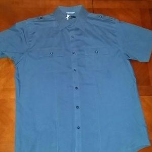 Short sleeve button down men's shirt