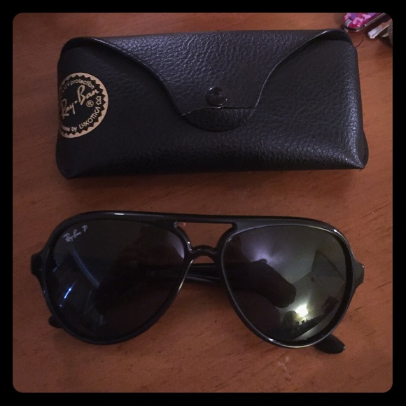 42954dbd880 Authentic Ray•Ban Cats 5000 polarized black. M 56474f112fd0b7d476000784